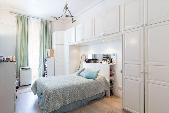 Bedroom of Kensington Gore, Kensington, London SW7
