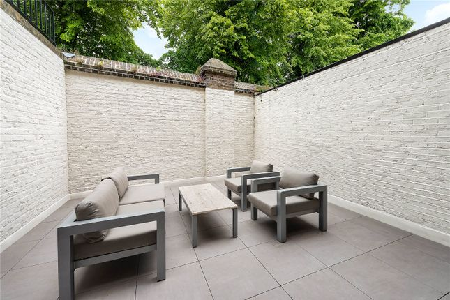 Garden of Ifield Road, Chelsea, London SW10