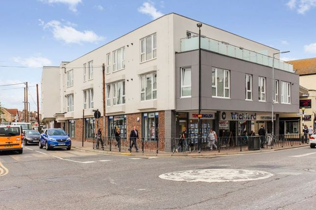 2 bed flat for sale in Station Avenue, Wickford SS11