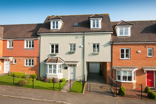 Thumbnail Town house for sale in Tatchell Drive, Charing
