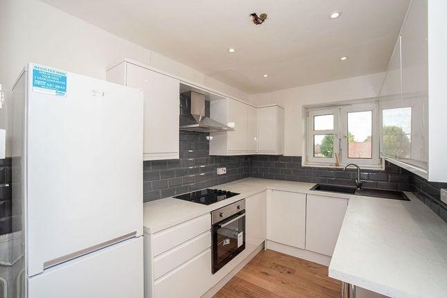 Thumbnail Flat to rent in Brook Lane, London