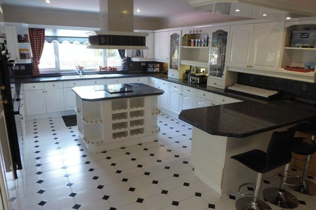 Thumbnail Detached bungalow for sale in Tring Road, Dunstable