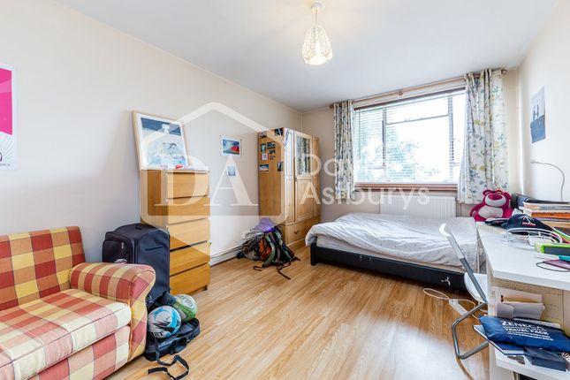 Thumbnail Flat to rent in Cruikshank Street, King's Cross Angel, London