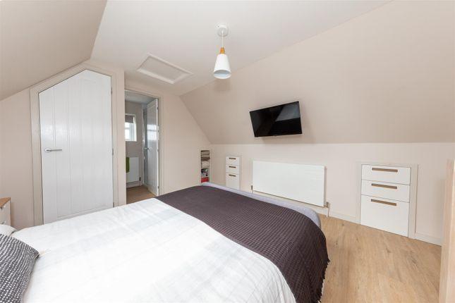 Annexe Bedroom of Chalgrave, Dunstable LU5