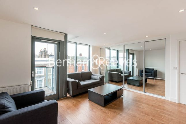 Studio to rent in Packington Square, Angel N1
