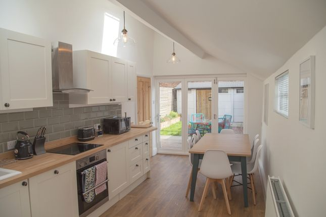 Thumbnail Flat to rent in Green Place, Oxford