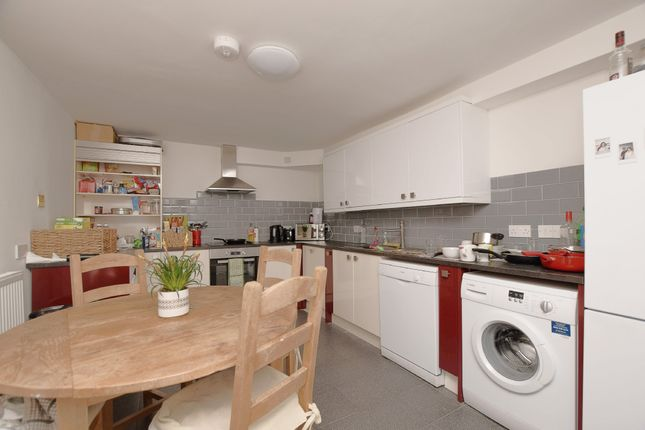 Thumbnail Flat to rent in St. Matthews Road, Kingsdown, Bristol