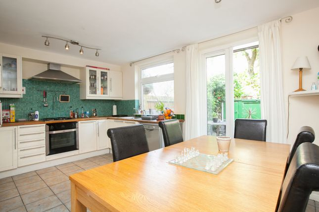 Thumbnail Terraced house to rent in Calshot Street, London