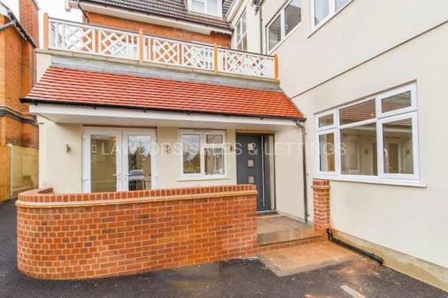 Thumbnail Terraced house to rent in High Road, Loughton
