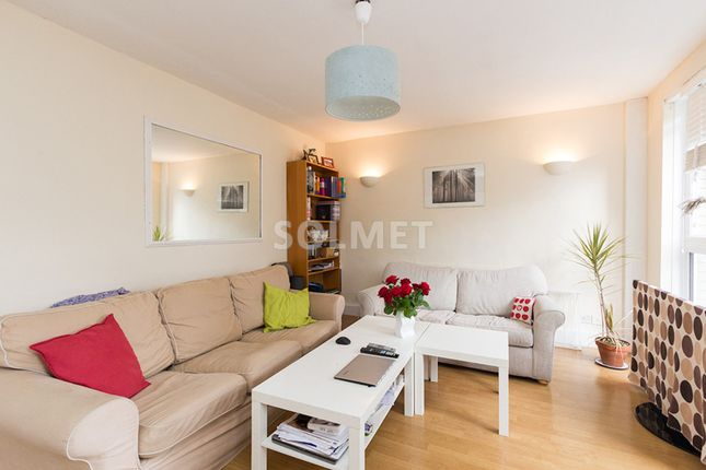 2 bed flat to rent in Moatfield, Christchurch Avenue, Kilburn
