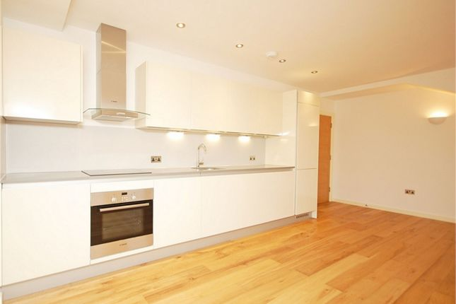 Thumbnail Flat to rent in Park Gate Court, High Street, Hampton Hill, Hampton
