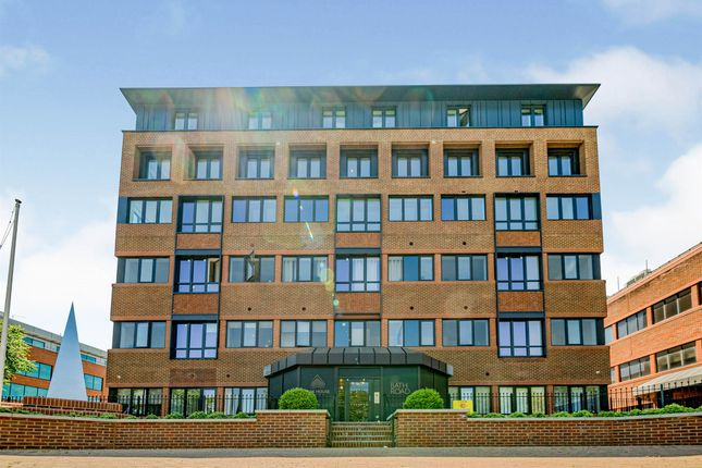 1 bed flat for sale in Bath Road, Slough SL1