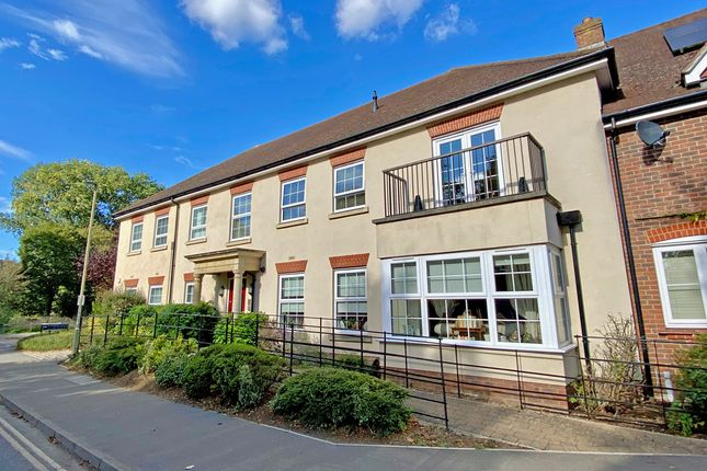 2 bed flat for sale in The Street, Crowmarsh Gifford, Wallingford OX10