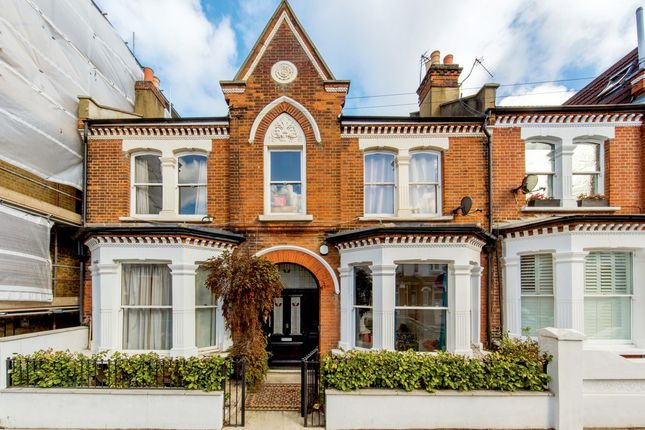 3 bed flat to rent in Foulser Road, London, London