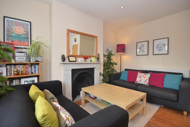Thumbnail Flat to rent in Victoria Road South, Southsea