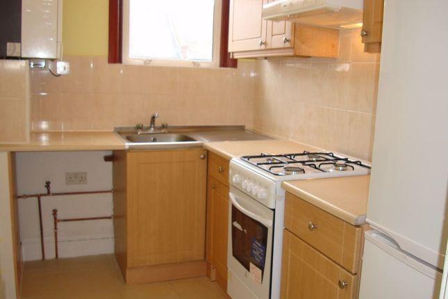 Thumbnail Flat to rent in Cholmondeley Avenue, London