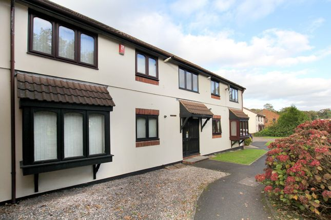 2 bed flat to rent in St Marys Close, Plympton, Plymouth, Devon