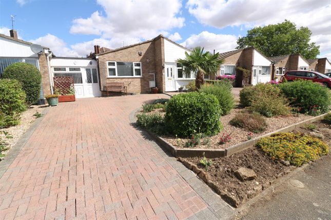 Thumbnail Bungalow for sale in Firdale Avenue, Rushden