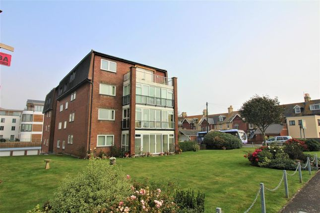 Thumbnail Flat to rent in Melcombe Avenue, Greenhill, Weymouth