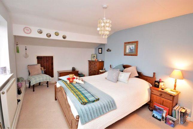 Bedroom 1 of Lower Green, Westcott, Aylesbury HP18