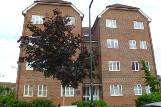 2 bed flat for sale in Fairway Drive, London