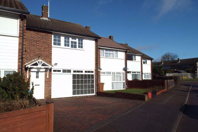 3 bed property to rent in Ferrier Road, Stevenage SG2