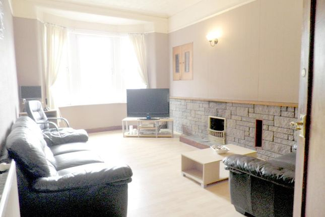 Thumbnail Flat for sale in Meadowbank Street, Dumbarton