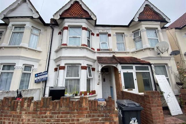 4 bed terraced house to rent in Oswald Road, Southall, Middlesex UB1