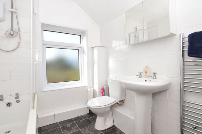 Bathroom of Rame Cross, Penryn TR10