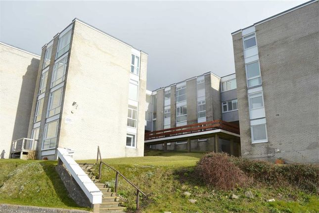 Thumbnail Flat for sale in Seapoint, Cold Knap Way, Barry