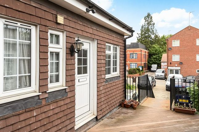 Thumbnail Maisonette to rent in Churchfield Road, Chalfont St. Peter, Gerrards Cross