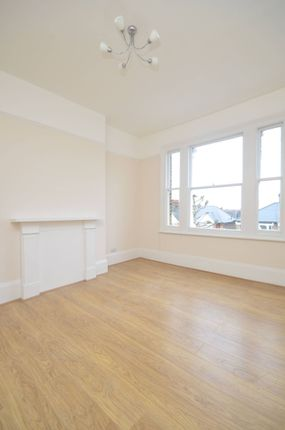 Flat to rent in Highlever Road, North Kensington