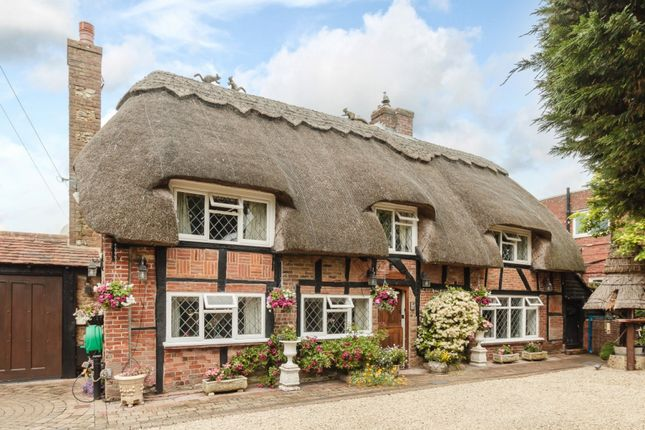 Thumbnail Cottage for sale in Pagham Road, Nyetimber, Bognor Regis, West Sussex