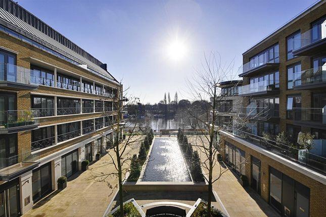 Thumbnail Flat to rent in Quayside House, Kew Bridge Road, Brentford