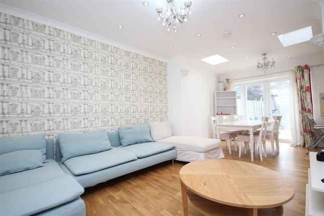 Thumbnail Property to rent in Sunningdale Avenue, London