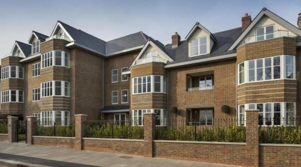 Thumbnail Flat for sale in Queens Road, Hendon, London