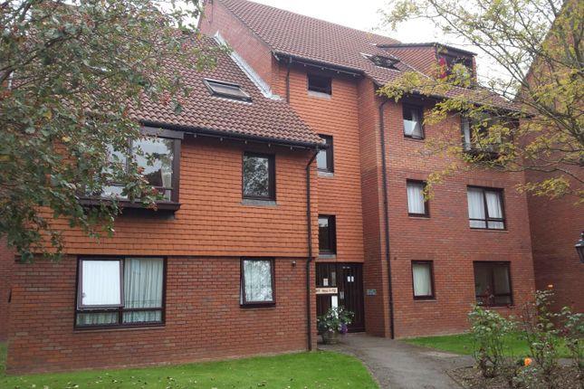 Thumbnail Flat to rent in Marina Gardens, Fishponds, Bristol