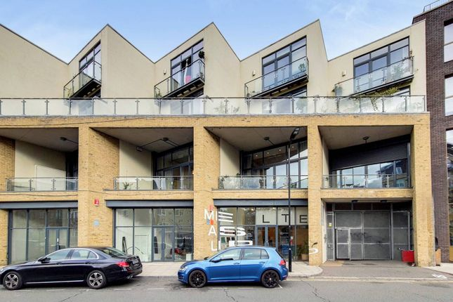 Thumbnail Flat to rent in Andrews Road, Broadway Market, London