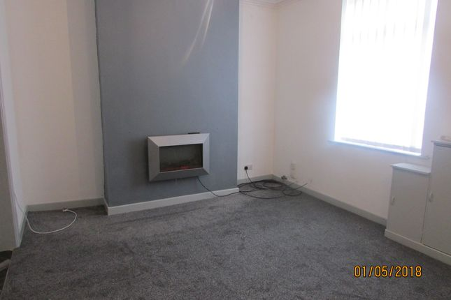 Thumbnail Flat to rent in Walker Street, Denton