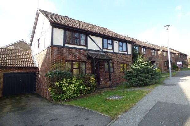 Thumbnail Link-detached house to rent in The Farthings, Crowborough