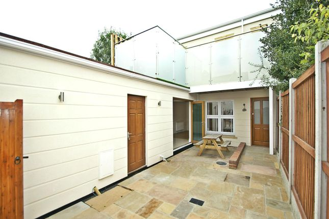 Thumbnail Detached house to rent in Old Workshop Cottage, 96A Heath Park Road
