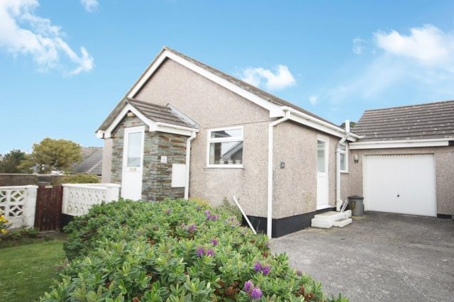 Thumbnail Bungalow for sale in Laura Close, Tintagel