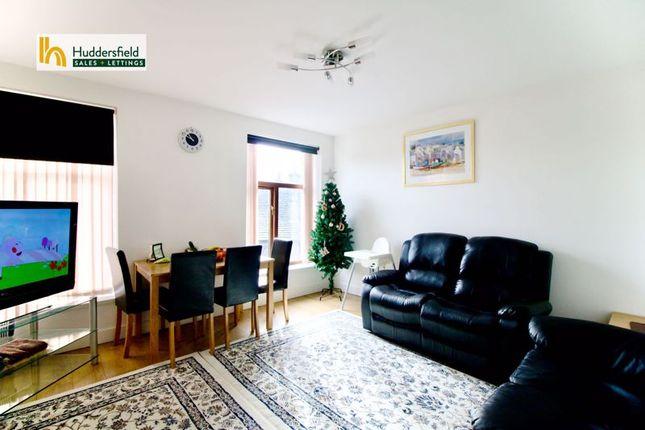 Livingroom of Bay Hall Common Road, Birkby, Huddersfield HD1