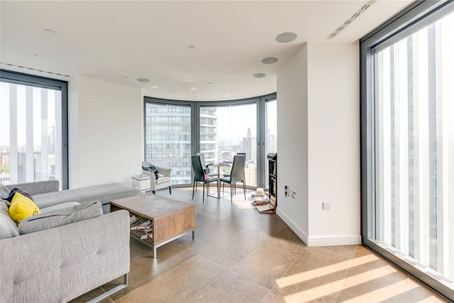 Thumbnail Flat to rent in Chronicle Tower, 261B City Road, London
