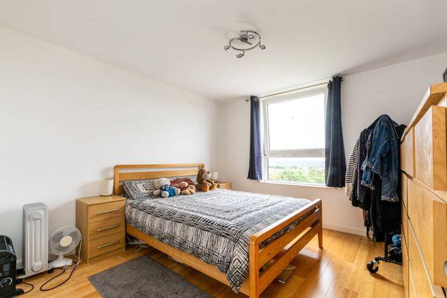 Ross Road South Norwood London Se25 2 Bedroom Flat For Sale 56085905 Primelocation
