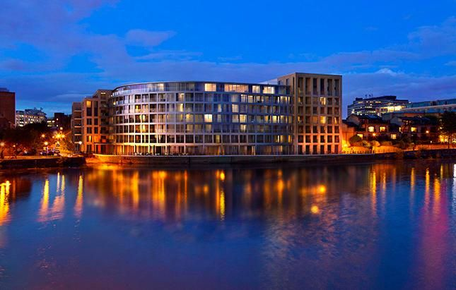 Thumbnail Flat for sale in Queens Wharf, Hammersmith
