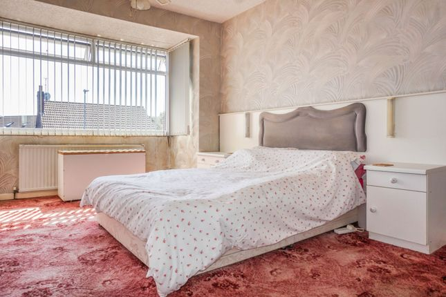 Bedroom One of Sparth Road, Manchester M40