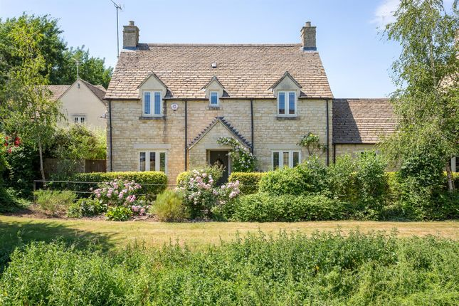 Thumbnail Property for sale in The Wern, Lechlade