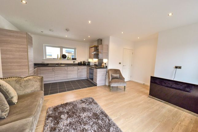 1 bed flat for sale in 8 Thornbury Way, London
