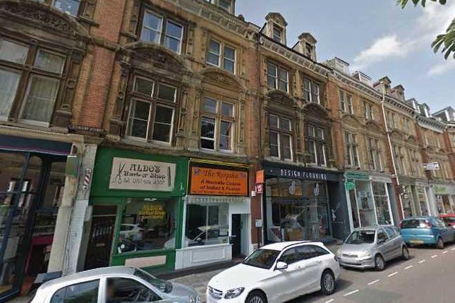 Thumbnail Flat to rent in Top Floor Flat, Regent Street, Clifton